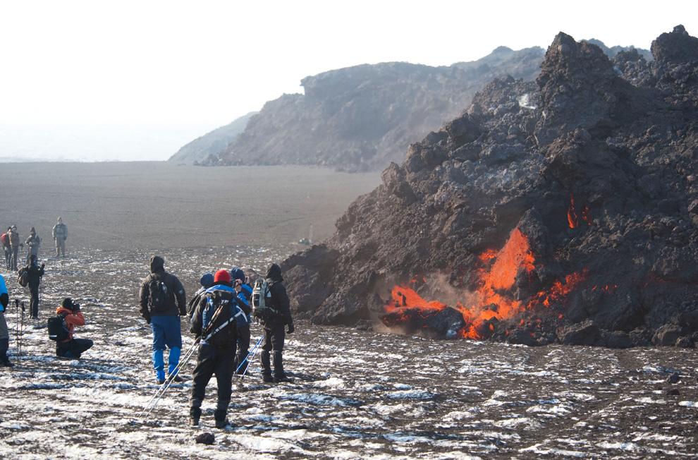 поток лавы вулкана Эйяфьятлайокудль